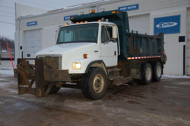 2000 Freightliner FL80 $32,500