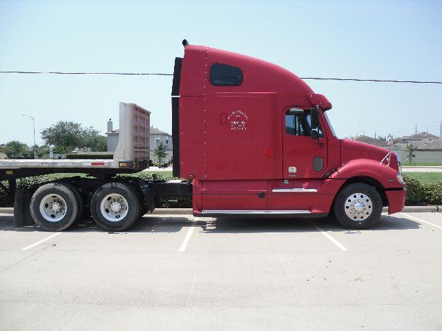 2006 Freightliner columbia $23,150