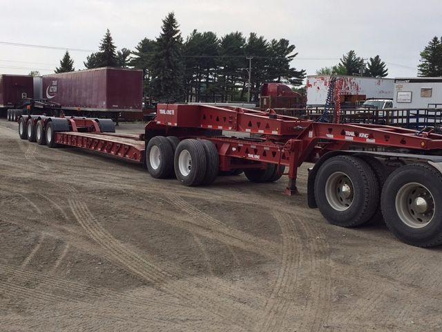 2008 TRAILKING 55 tons Gooseneck Lowboy$98,000