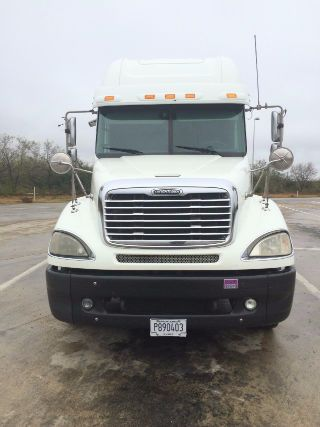 2006 Freightliner Columbia Call for Price!