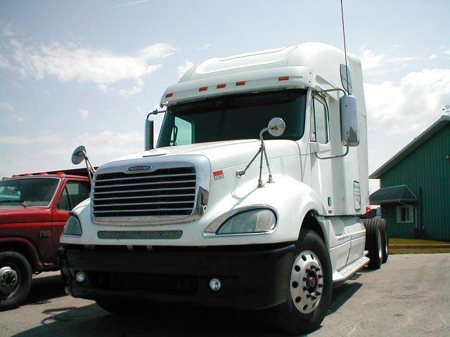 2004 Freightliner Columbia$21,500
