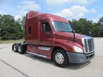 2012 FREIGHTLINER CA12564SLP - CASCADIA$68,900