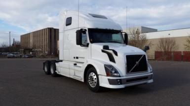 2013 Volvo VNL64T670 $84,000