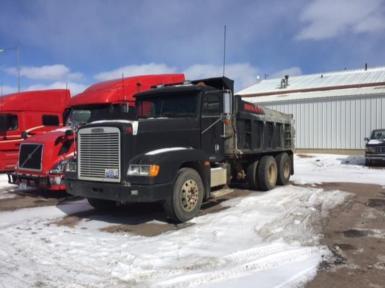 1997 Freightliner FLD120$18,500