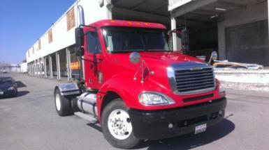 2006 Freightliner columbia $19,500