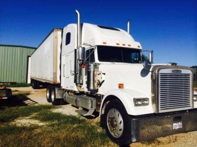2001 Freightliner Classic XLT $30,000
