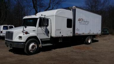 2001 Freightliner  $13,900