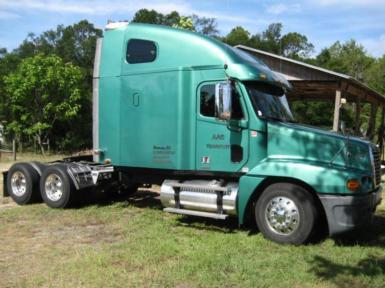 2007 Freightliner century $25,500