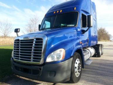 2011 Freightliner Cascadia $64,000