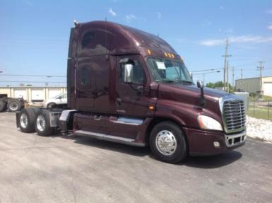 2009 Freightliner CA12564SLP $43,950