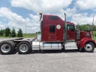 2000 Kenworth W900 $65,000