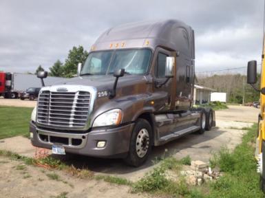 2008 Freightliner Cascadia $39,900