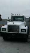 2001 Mack RD 688