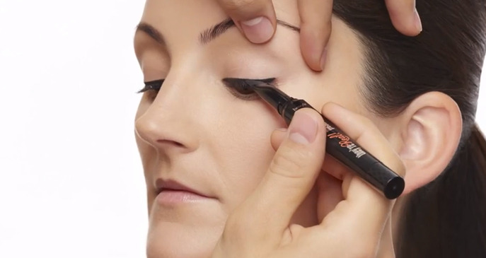 THE REAL STORY BEHIND BENEFIT'S THEY'RE REAL! PUSH-UP LINER