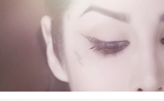 "HOW-TO: GET THE ""DISINTEGRATION"" CAT EYE LOOK BY KAT VON D"