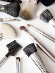 BEAUTY DECODED: HOW BRUSHES ARE MADE