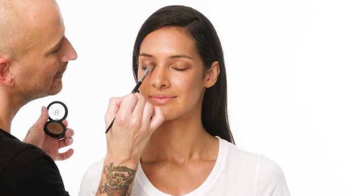 VIDEO: HOW TO GET A METALLIC EYE