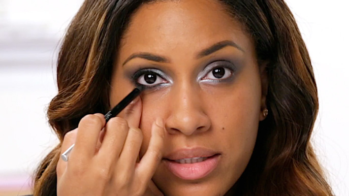VIDEO: SMOKY SUGAR PLUM HOLIDAY LOOK HOW-TO