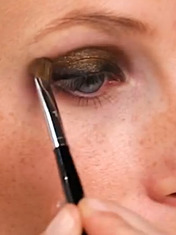 VIDEO: NIGHTTIME SMOKY EYE HOW-TO