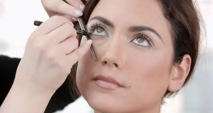 VIDEO: MAKE UP FOR EVER CLASSIC LIFT EYE SHADOW TUTORIAL