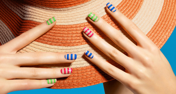 THE TIP-OFF: THE TAN LINES MANICURE
