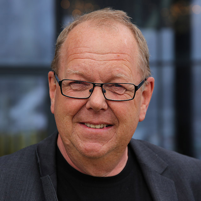 3. (1) Pål Farstad