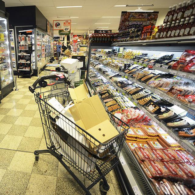 8. (6) Innkjøpsdirektørene i matvarekjedene