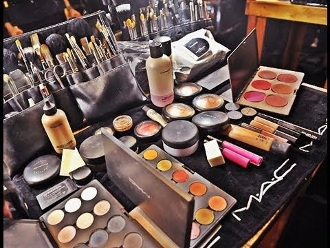 Professional makeup kits for makeup artist