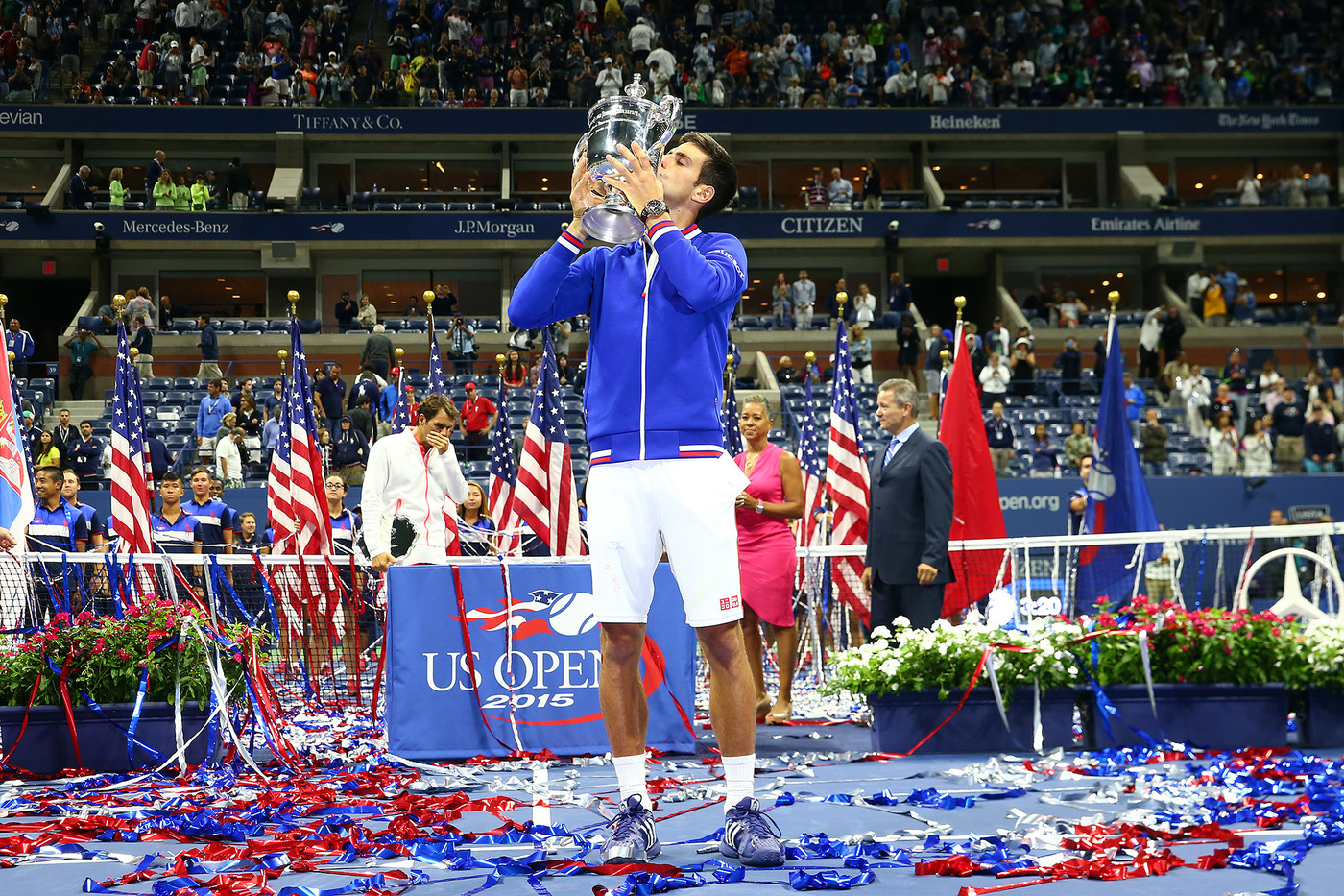 Djokovic_kissing_us_open_cup_15