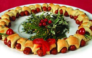 pigs-in-a-blanket_wreath_2