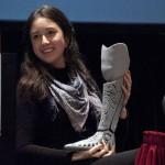 Ella creó la prótesis para su pierna a través de la impresión 3D