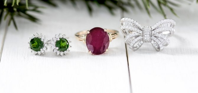 Jewelry Colors For Christmas