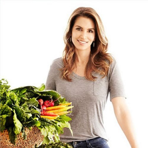 Cindy Crawford Discusses The 1500 Calorie Healthy Meal Plan
