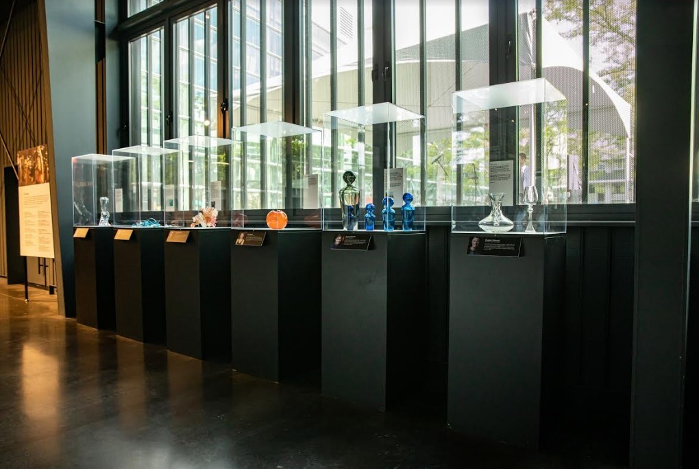 Glass reality show Blown Away to premiere July 12th on Netflix, Corning Museum of Glass sets up exhibition of show artifacts | UrbanGlass
