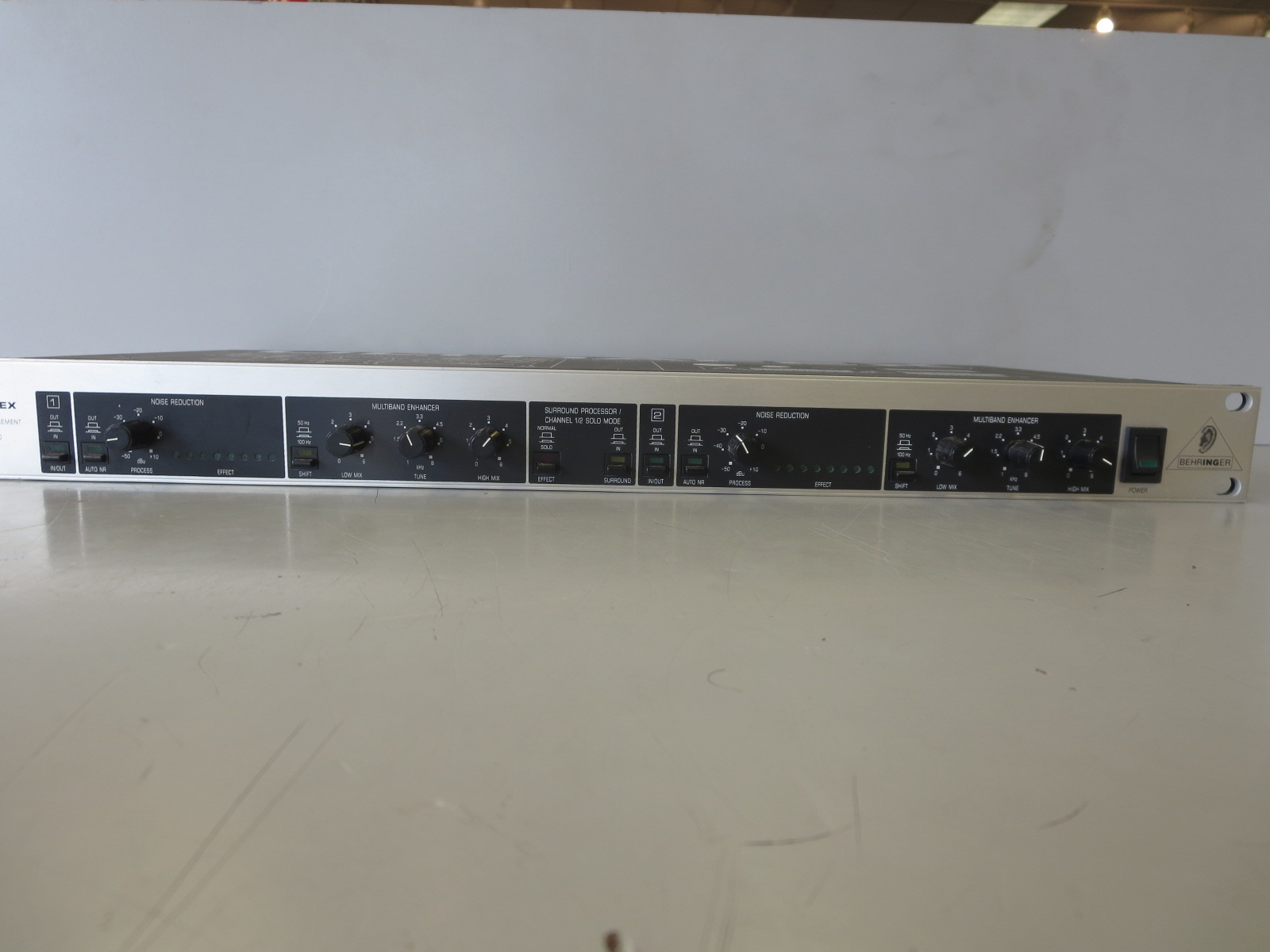 Behringer - EX3000 Sound Processor