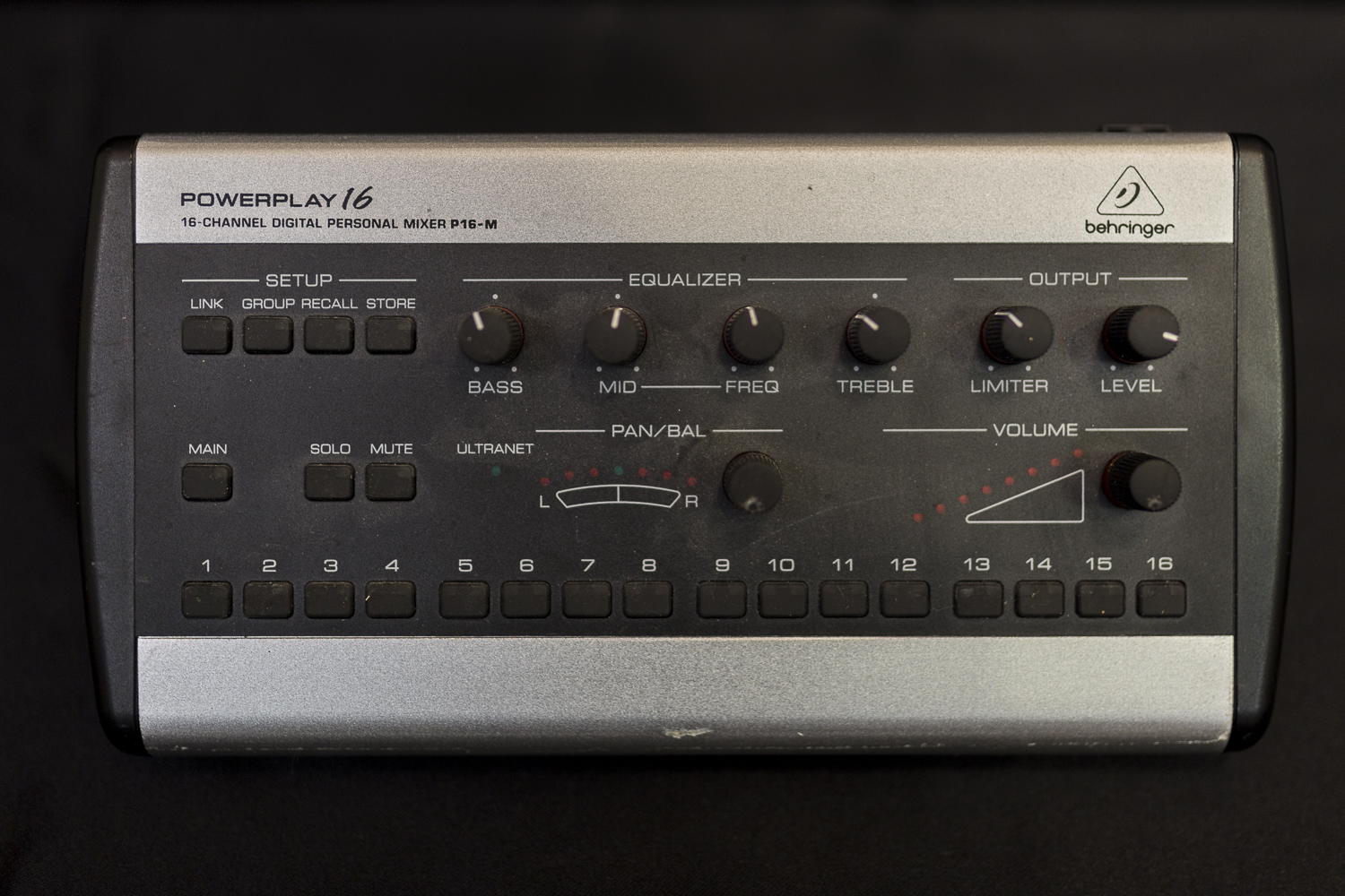 Behringer - Powerplay P16M