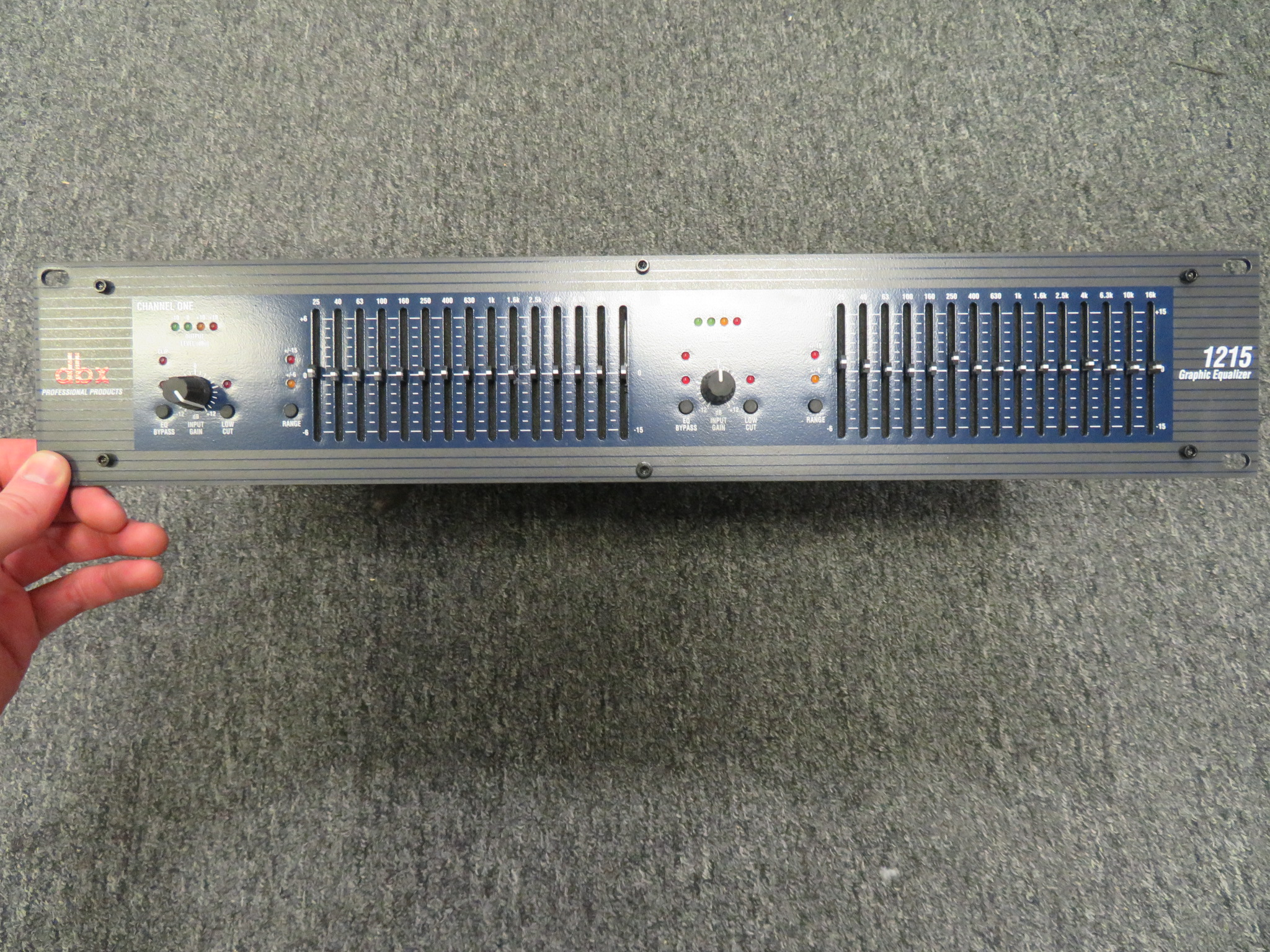 DBX - 1215 GRAPHIC EQUALIZER