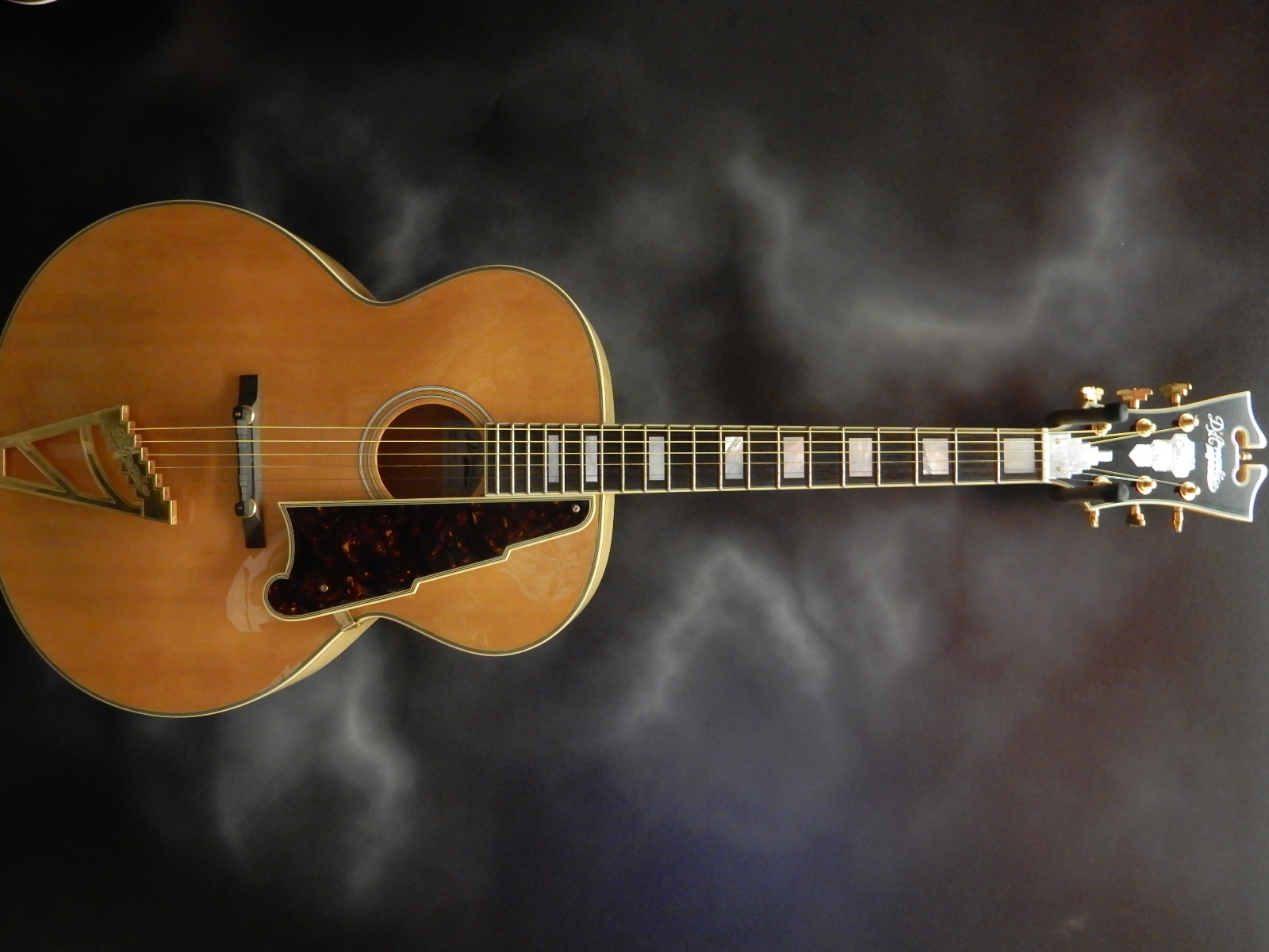 D\'Angelico - EX-63 Archtop Natural w/ohsc