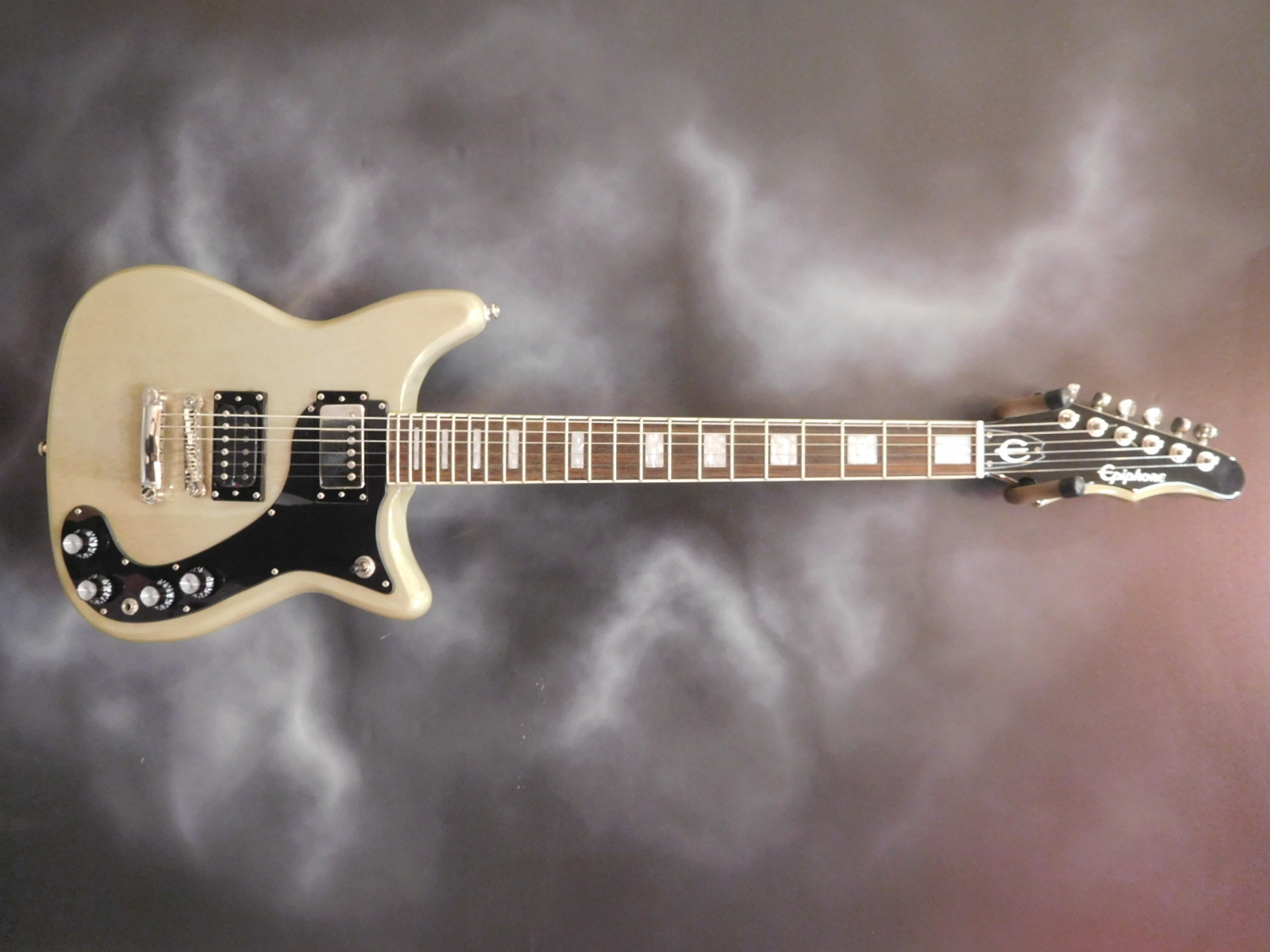Epiphone - Limited Edition Wilshire Pro Series