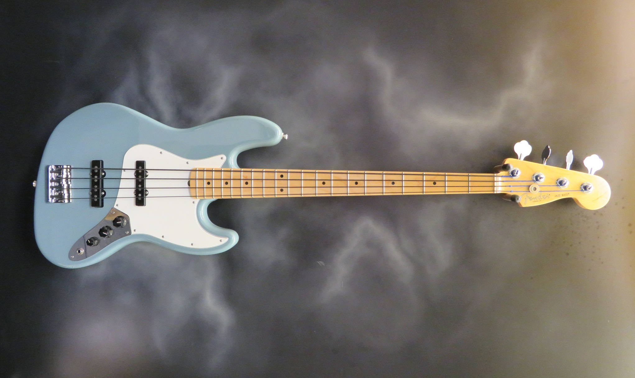 Fender - American Professional Jazz Bass IV