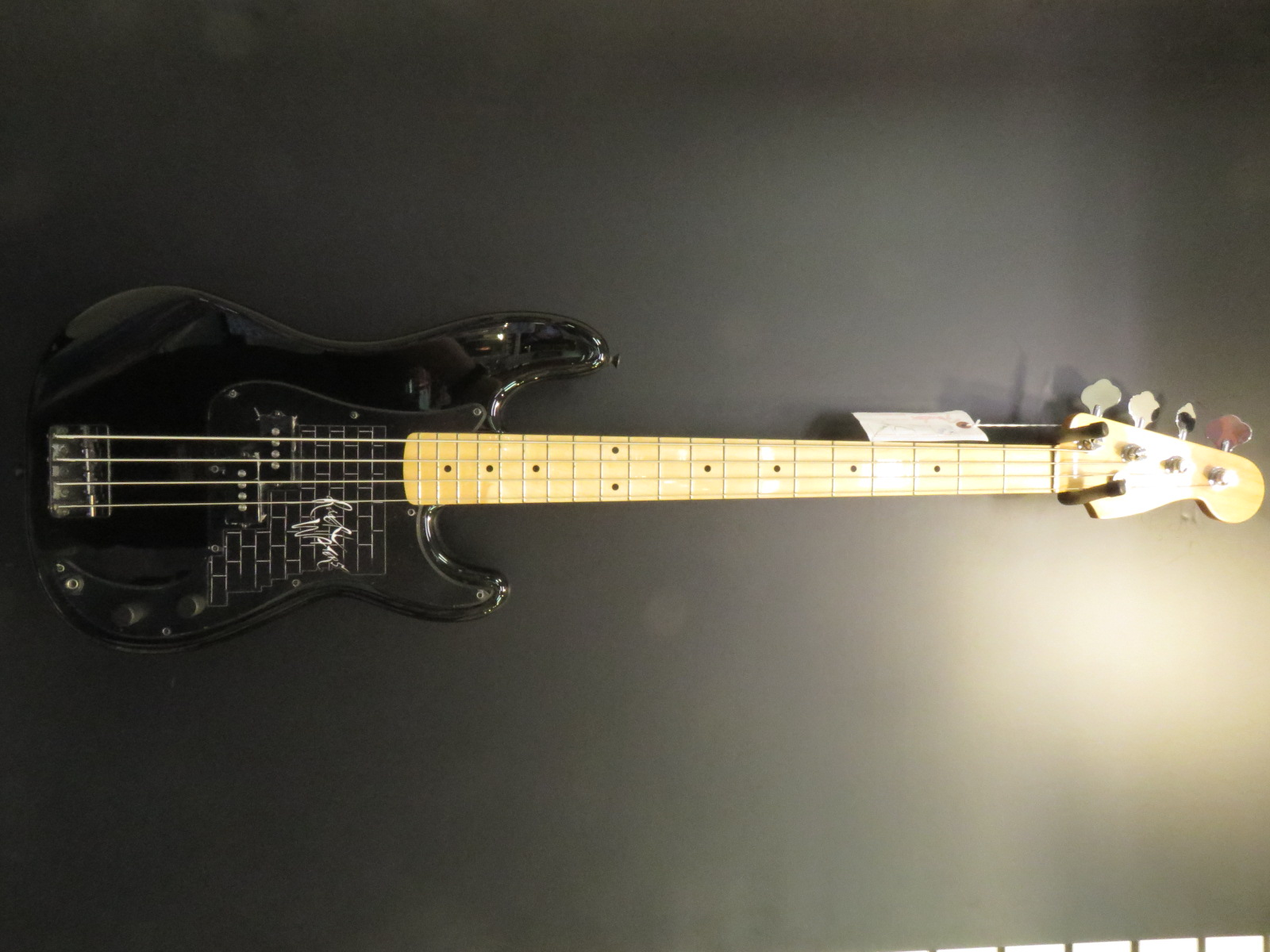 Used Fender Roger Waters P-Bass