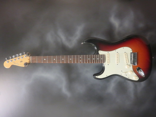 Fender - 2012 Lefty American Deluxe Stratocaster