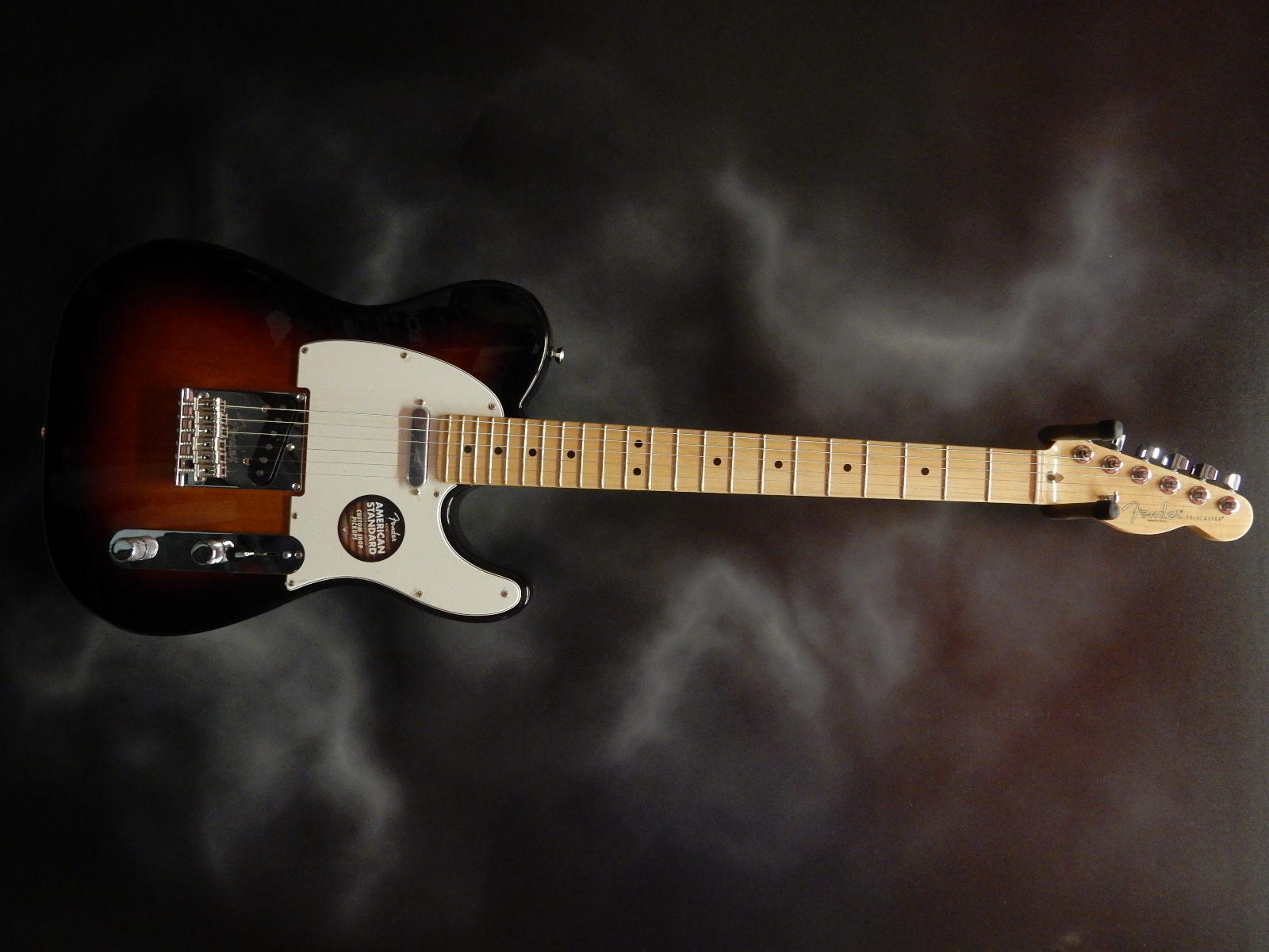 Fender - Amercian Standard Telecaster w/OHSC and case candy