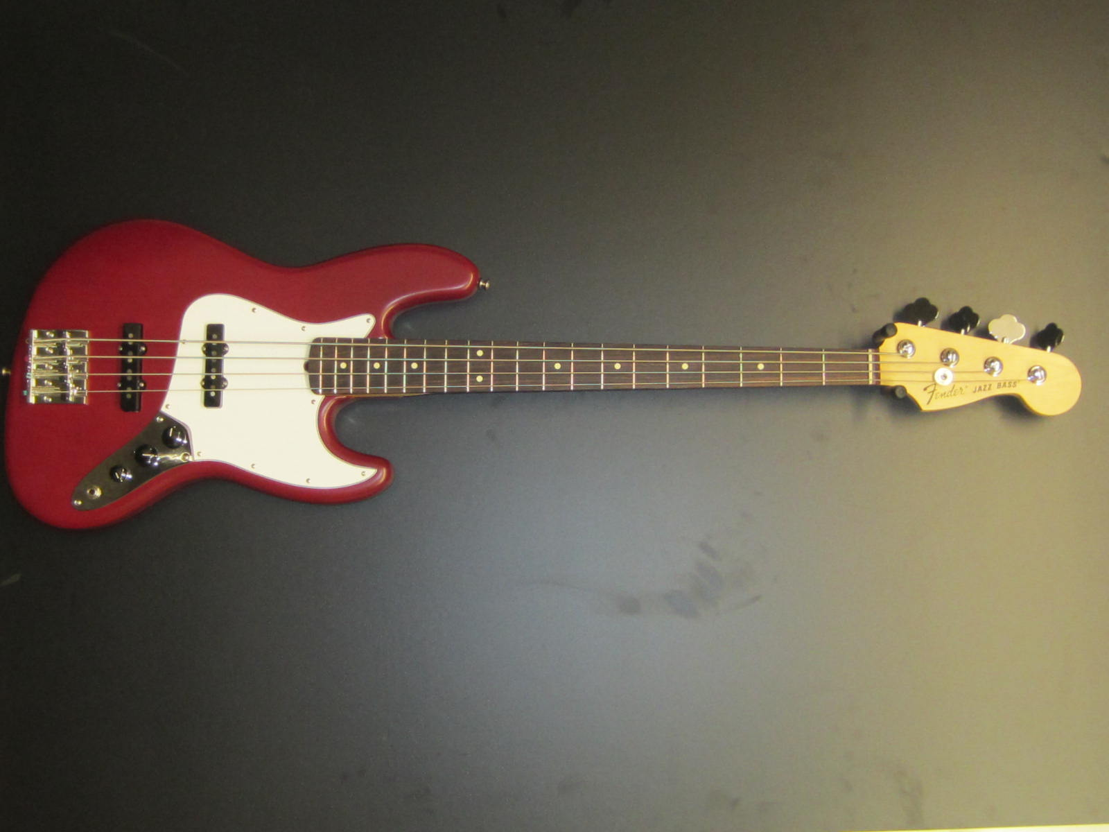Used Fender Highway 1 Jazz Bass
