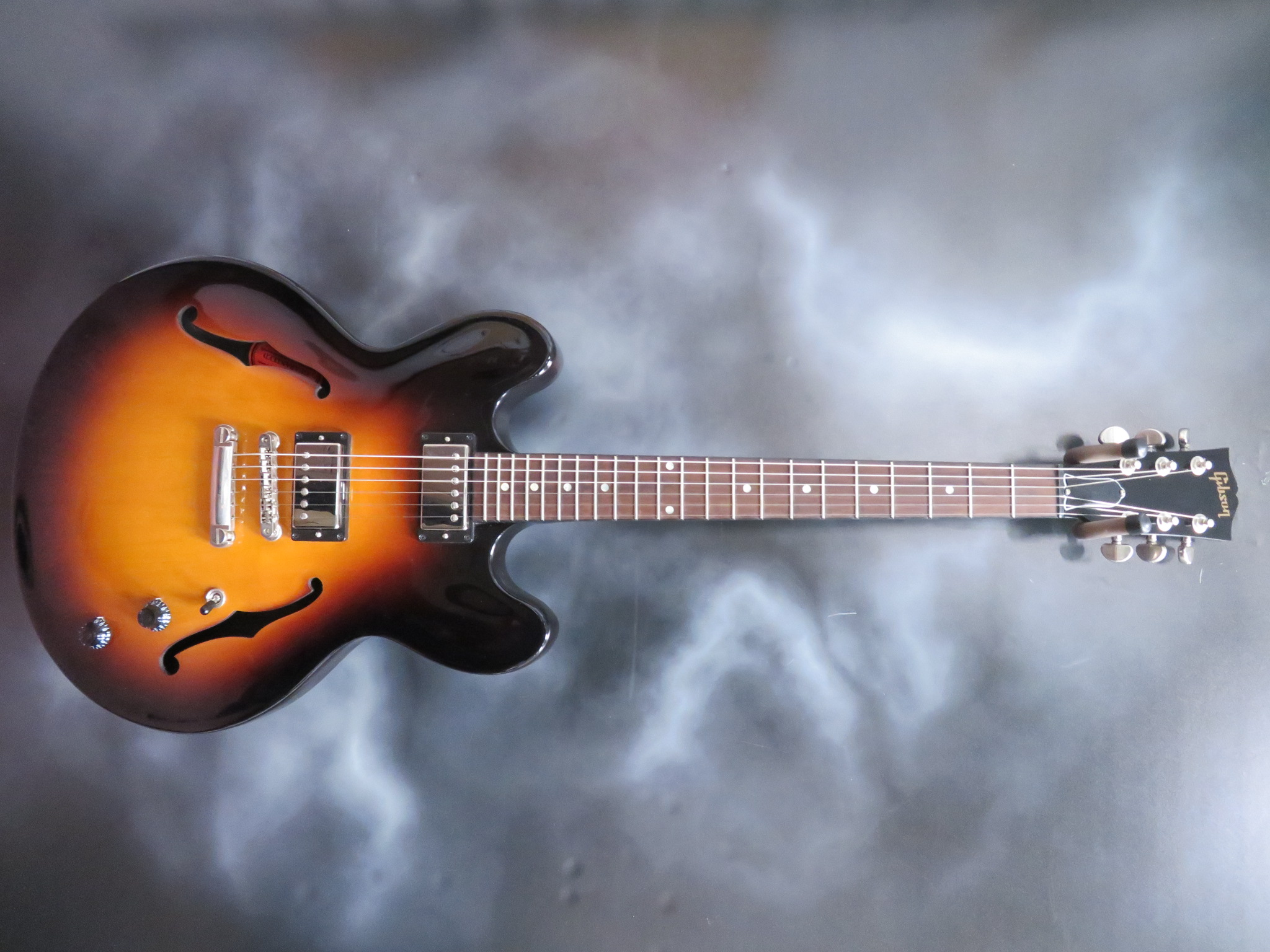 Guitar Of The Day Gibson - ES-335 Studio