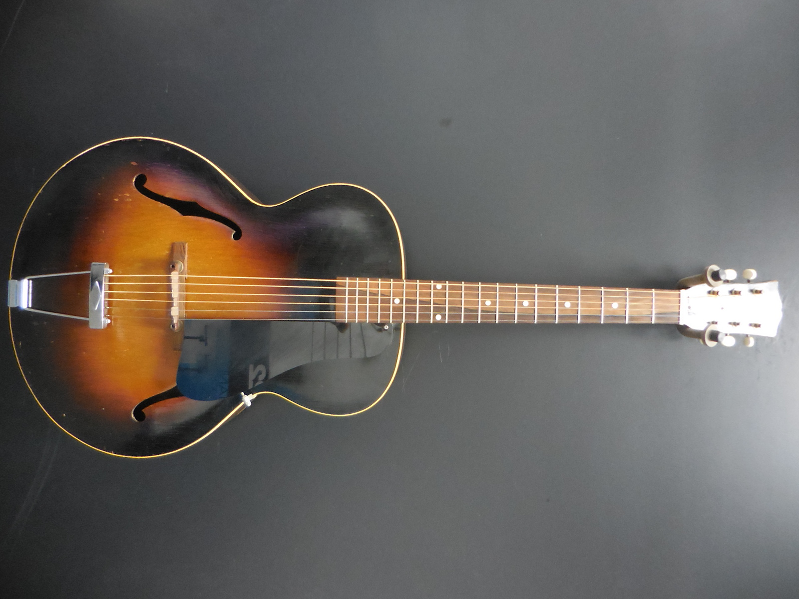 Gibson - L 48