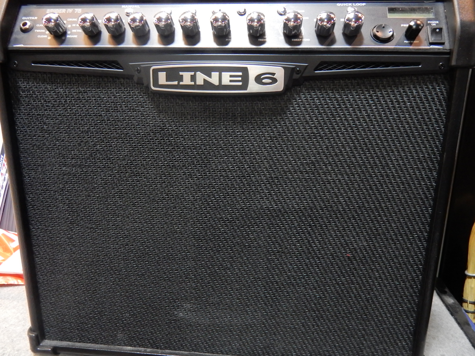 Line6 - Spider IV 75 Watt Combo Amp w/effects