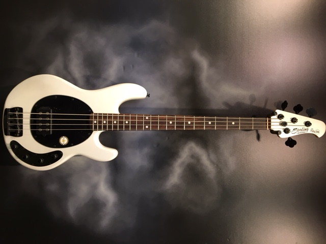 Sterling by Music Man - Ray 34