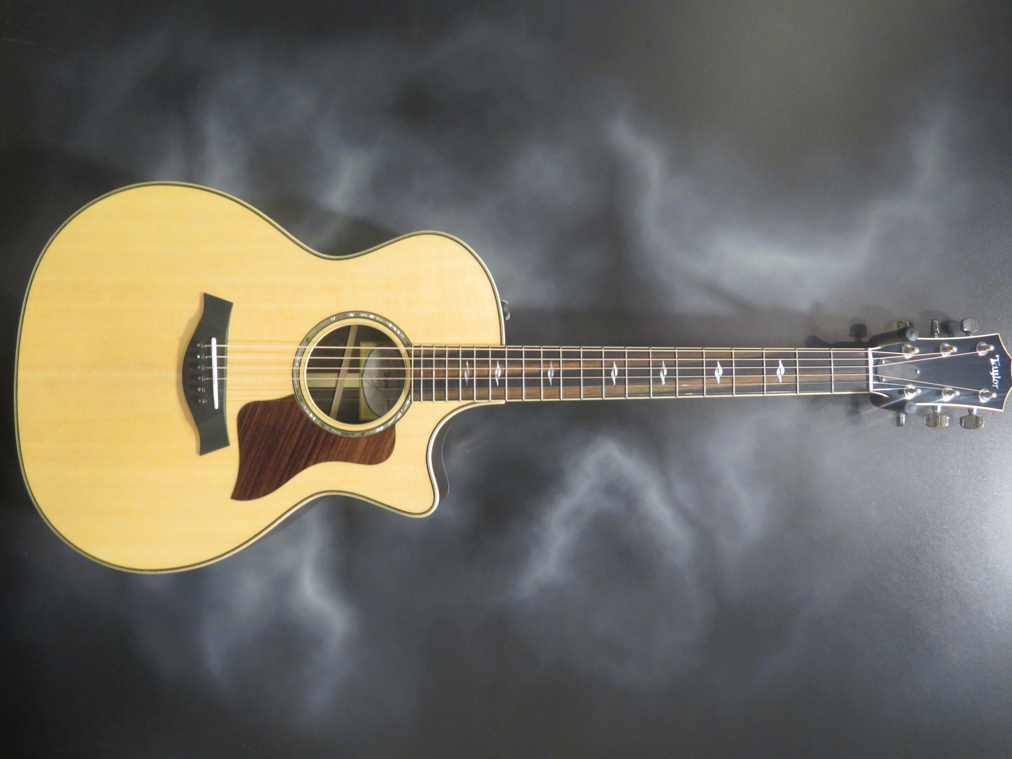 Taylor - 814CE With Brazilian Rosewood