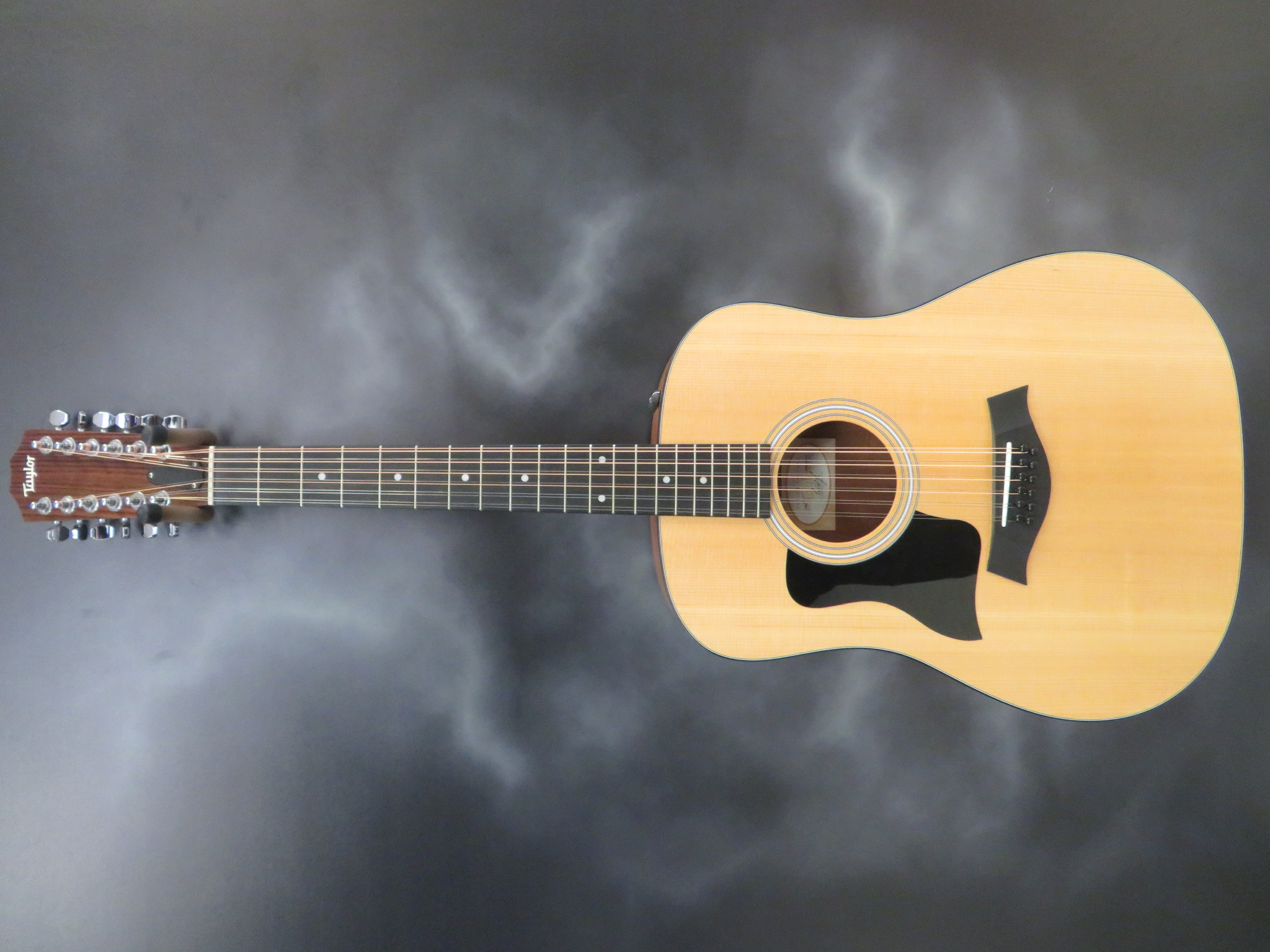 Taylor - 150e Left Handed